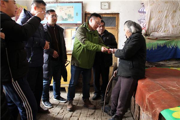 华夏出版社、中国残疾人艺术团赴南皮扶贫慰问